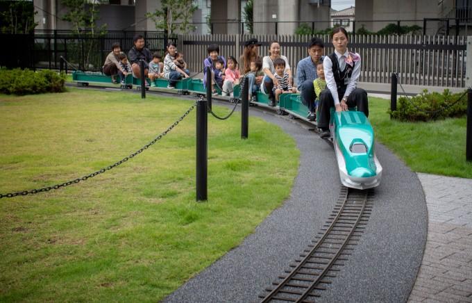 Mini bullet train
